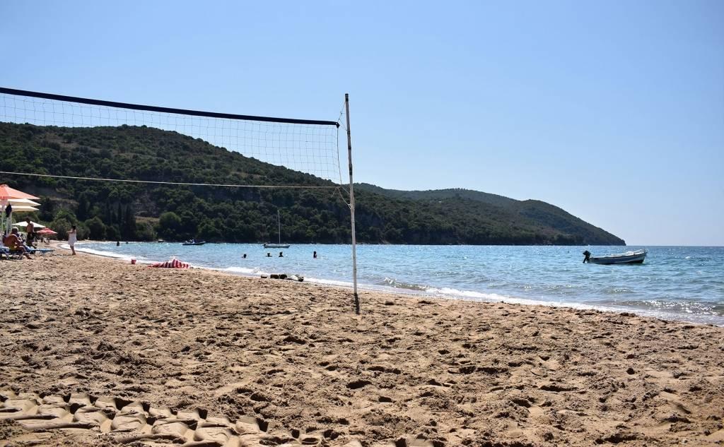 Παραλία Λούτσας