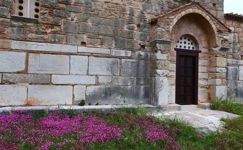 Church Of Zoodochos Pigi, Samarina