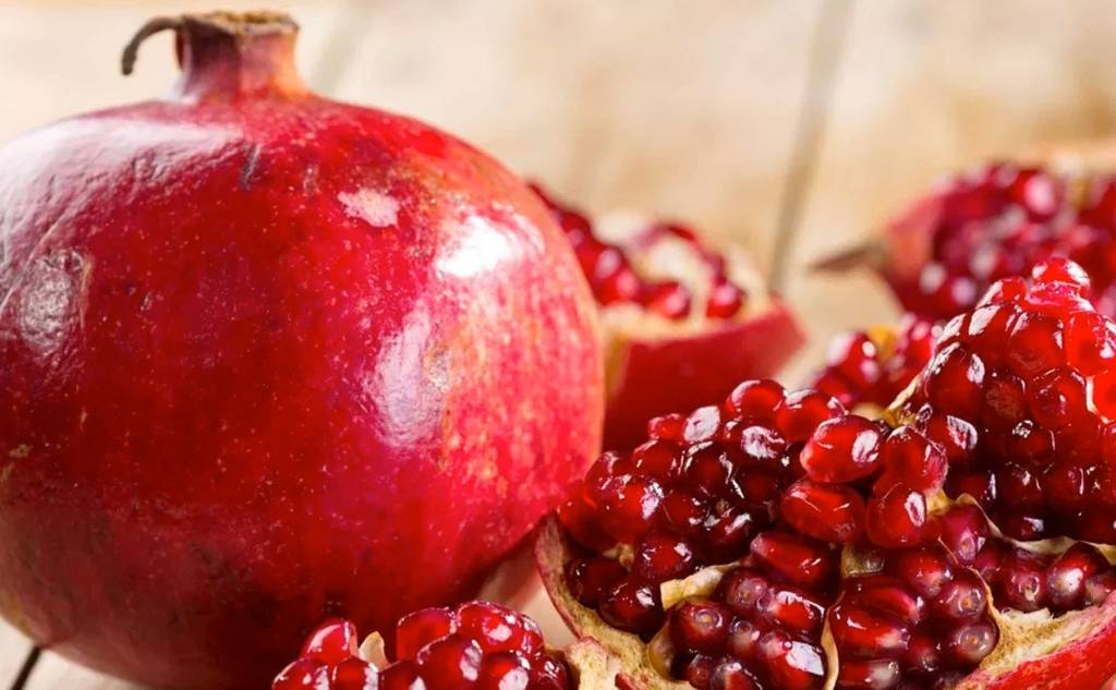 The breakage of the pomegranate fruit
