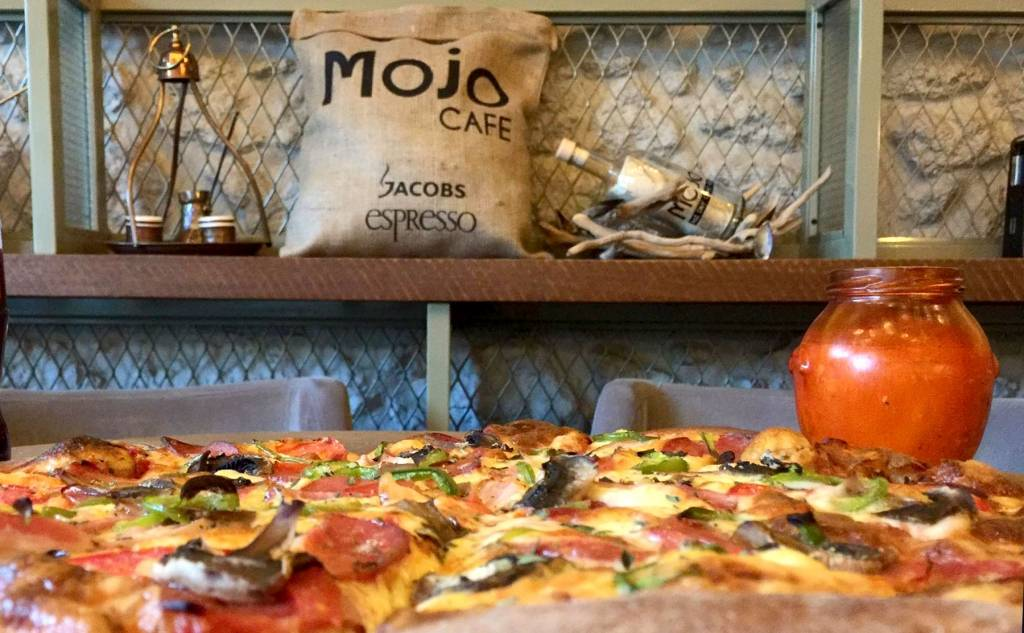 MOJO pizza & cocktail bar