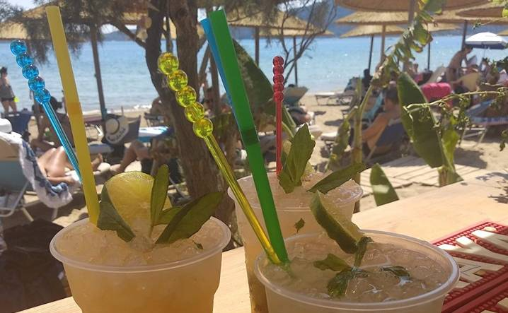 Divari White Beach Bar Rossos