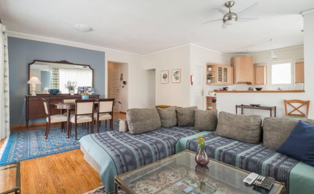 Kalamata Top Rooms: Comfortable spacious central apartment FIL27