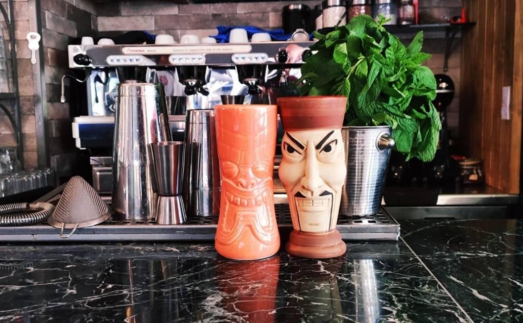 Rock Cafe - Bar