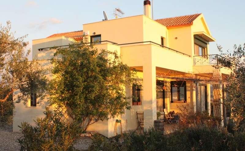 Μονοκατοικία Με θέα Στον Κόλπο Του Ναβαρίνο
