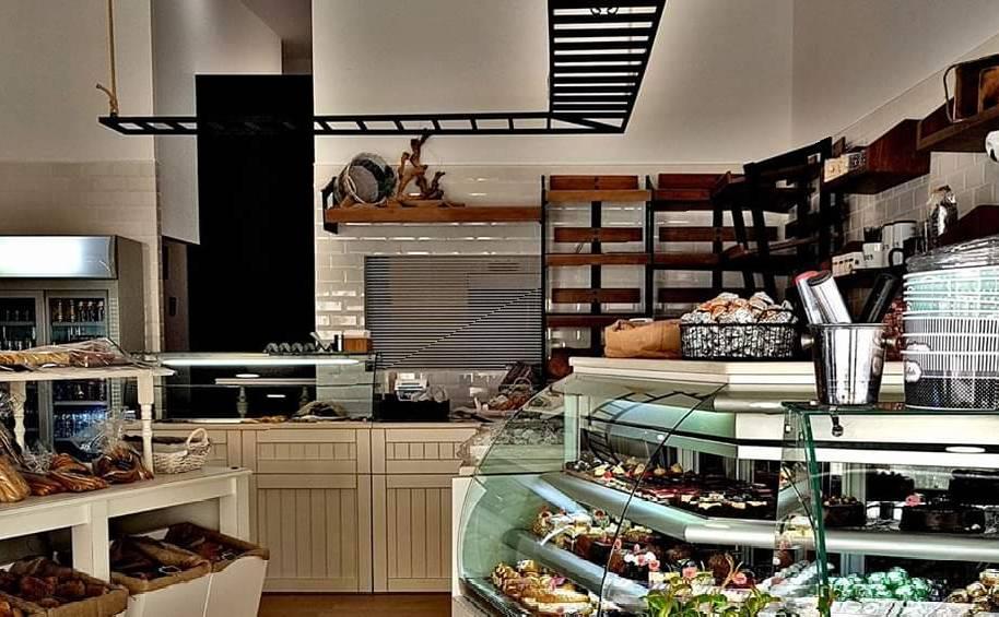 Athanasiou Traditional Bakery since 1904 - Μεθώνη