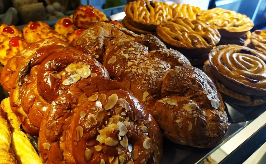 Το Παραδοσιακό (Μυσιρλής) - Ζαχαροπλαστείο / Αρτοποιείο - Γιαλοβα
