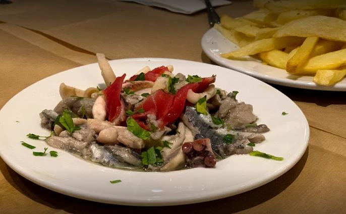 Το Πευκάκι - Εστιατόριο