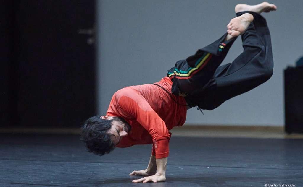 Διεθνές Φεστιβάλ Χορού Καλαμάτας -AKIRA YOSHIDA /UP, BUT DOWN, BUT FAST, BUT SLOW, BUT WILD, BUT SENSITIVE