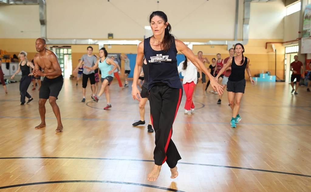Διεθνές Φεστιβάλ Χορού Καλαμάτας -ΛΙΝΤΑ ΚΑΠΕΤΑΝΕΑ /FIGHTING MONKEY PRACTICE – FROM THE OTHER SIDE