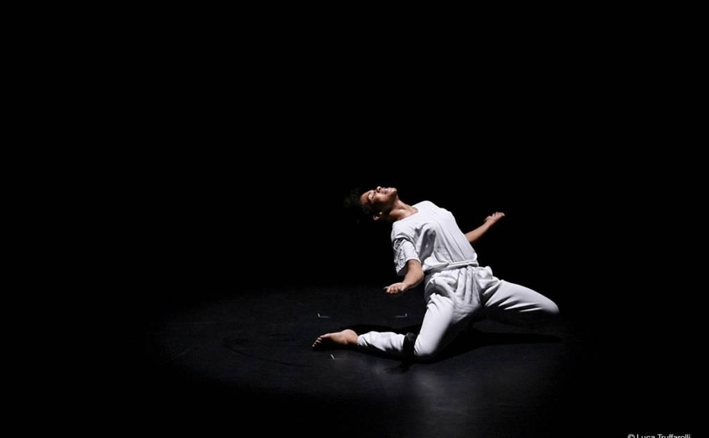 "Kalamata International Dance Festival - OONA DOHERTY ""HOPE HUNT & THE ASCENSION INTO LAZARUS"""