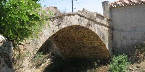 """Τοξωτό πέτρινο γεφύρι """"Καποδιστριακό"""""""