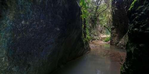 The Peristeria Ravine (Neraidorema)